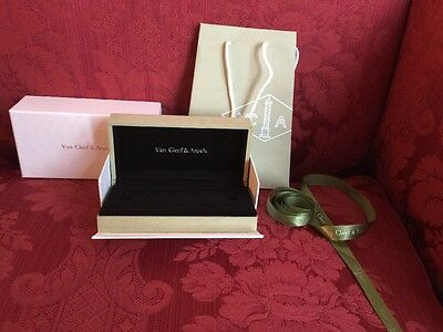 Van Cleef & Arpels Bracelet Packaging Ribbon, Bag, Jewelry Box Sage Green