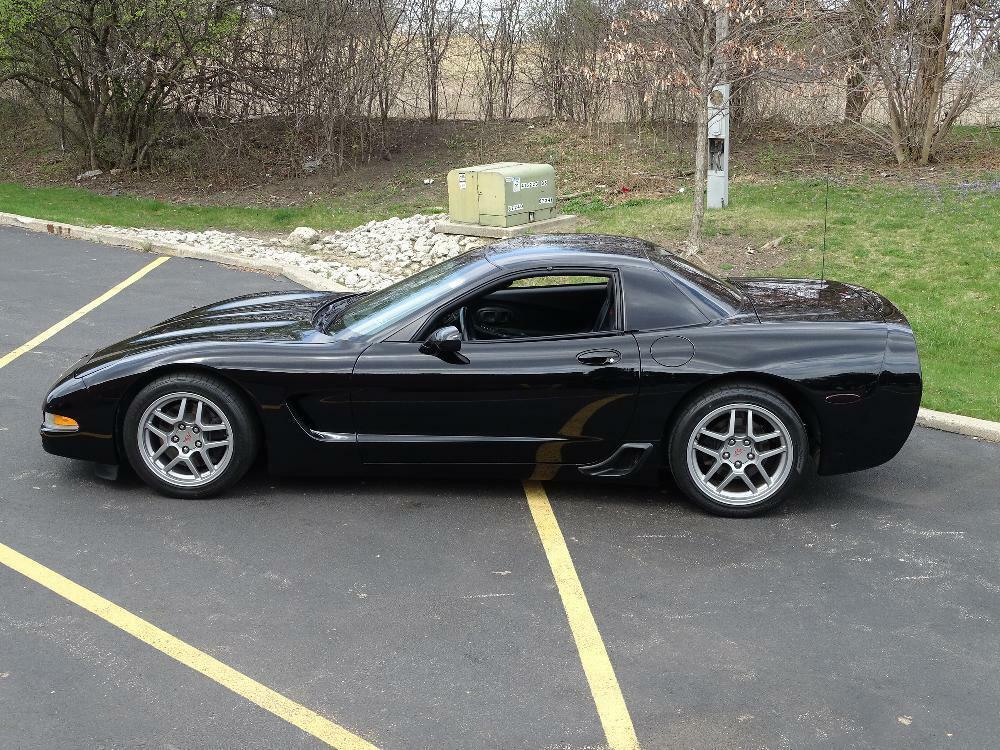 2002 Black Chevrolet Corvette Z06  | C5 Corvette Photo 10