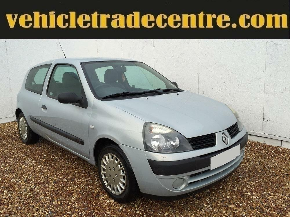 renault clio 1 2 authentique 3dr silver mot july 2016 in kilmarnock east ayrshire gumtree. Black Bedroom Furniture Sets. Home Design Ideas