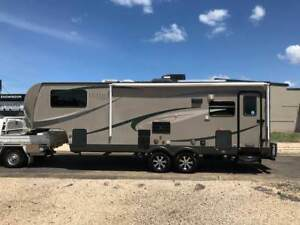 2010 Ultima 24ft Fifth Wheeler AND 2007 Holden Rodeo