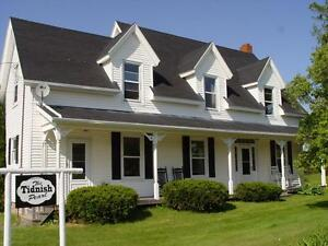 """Close To Beach Beautiful """"Up Country"""" Vacation Home"""