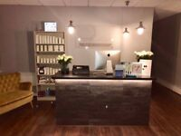 Beauty room, Nail desk and Makeup station to rent