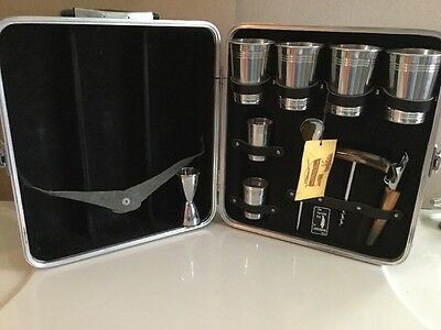 Vintage Londonaire Portable Pub Travel Bar & accessories in Hard Case Luggage