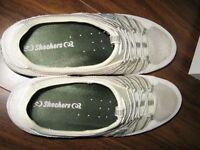 chaussures Skechers NEUVES 10