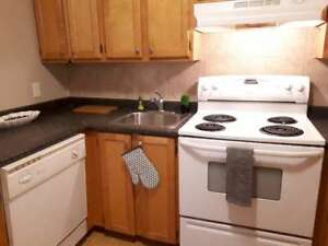 WOODWARD GARDENS/1 BDRM/FEB SPECIAL/$693 A MONTH FIRST YEAR!