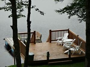 4Bdr Log cabin on Sherbooke Lake Indian Summer availability