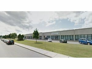 Entrepôt, Bureau à louer | Industrial, Office For Lease : St-L