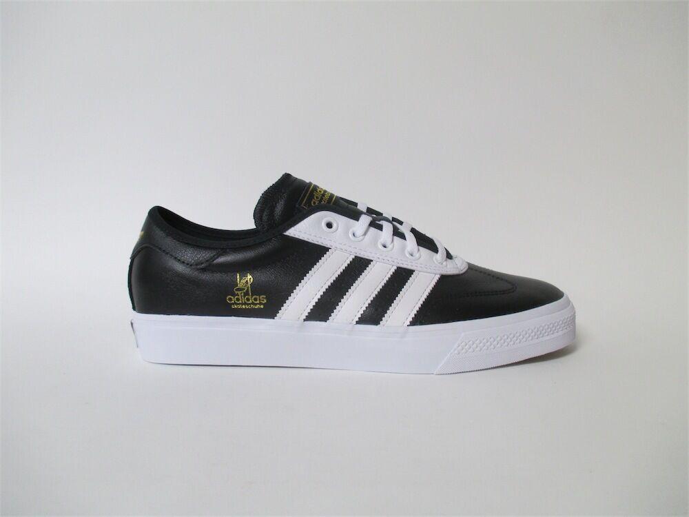 Adidas Universal blackwhite