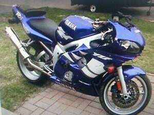 Pièces yamaha yzf r6 1999 2000 2001 2002 fourches roues frame