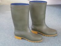 Lady's or girl's green wellington boots