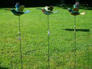 Flying Hummingbird Garden Stake, flapping hummingbird wings
