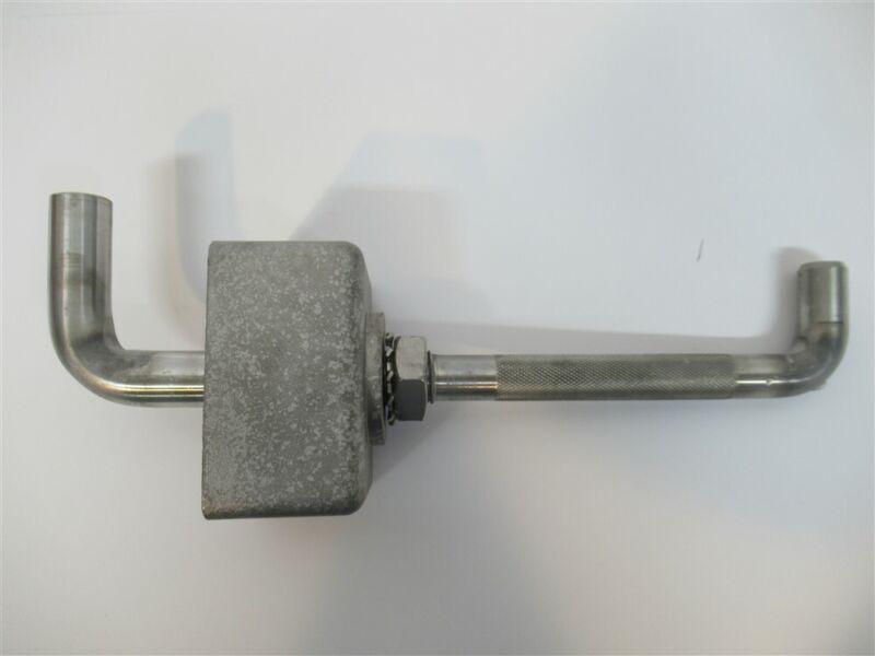MacLean SI-0040, Hollow Steel / Fiberglass Pole, Stainless Steel Step