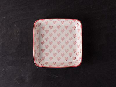 IB Laursen Teller Herz creme weiß Rote Herzen weißer Keramik Teller ()
