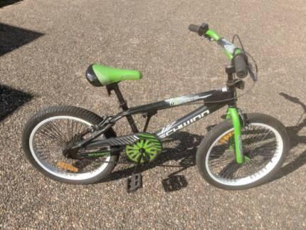 Bike - Schwinn Dominator BMX