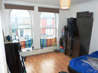 Fantastic newly decorated 1 bedroom flat close to Turnpike Lane tube