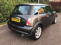 BARGAIN PARK LANE** 2006 MINI Hatch 1.6 Cooper 3dr ONLY 83K GREAT SPEC , LEATHER INTERIOR, TIDY CAR