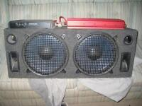 2 subs and 2 amps