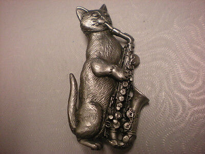 Jj Pewter Pin      Cute Cat Playing The Sax      Very Nice