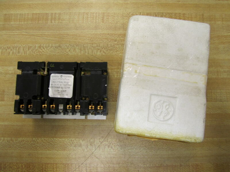 General Electric CR120A08002AA Relay