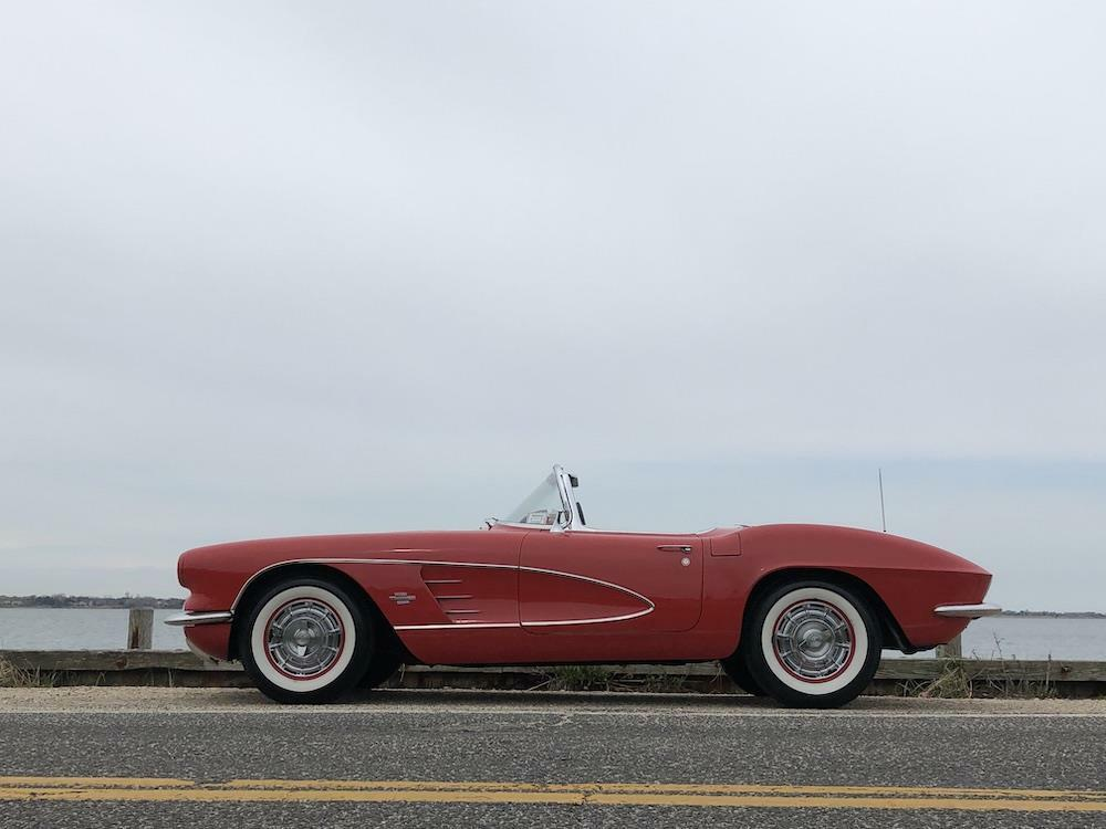 1961 Red Chevrolet Corvette     C1 Corvette Photo 4