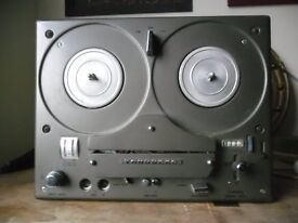 Tandberg reel to reel tape recorder. Classic 1970s model. Not working.