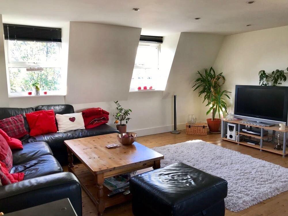 Pretty En-Suite Double + Bright Open Plan Kitchen