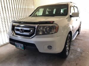 Honda Pilot, Touring, Clean Title, Fresh Safety and Low Mileage.