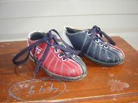 PAIR OF KID'S BOWLING SHOES(SIZE 8)/TOYS/SPORTS