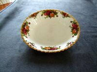 """Royal Albert """"Old Country Roses"""" Oval Vegetable Bowl"""