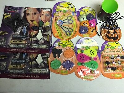 Spooky Halloween Stuff (Lot of 8 SPOOKY ZONE HALLOWEEN TRICK OR TREAT STUFF Makeup & DECORATIONS)