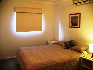 COUPLE ROOM $260 ($130 EACH) NEGOTIABLE - NO BOND - 4 WEEKS From Kangaroo Point Brisbane South East Preview