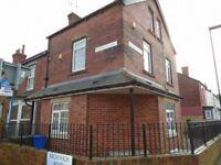 2 bedroom flat in Bromwich Road, Woodseats, Sheffield, S8