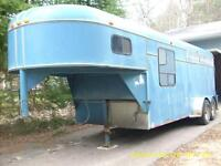 96 3 HORSE SLANT LOAD GOOSE NECK TRAILER FOR SALE