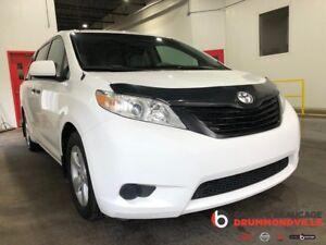 2012 Toyota Sienna 3.5L - V6- LIQUIDATION! - 7 PASSAGERS - HITCH