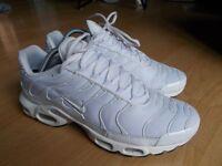 Brand new Nike tn triple white size 8