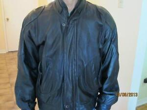 Men's Classic Leather Bomber Jacket West Island Greater Montréal image 2