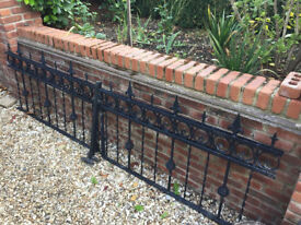 Metal ornate railings x 8 pieces