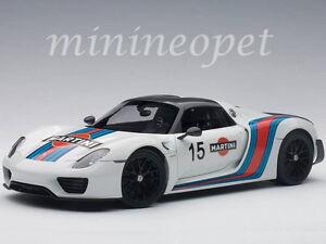 autoart 77927 porsche 918 spyder weissach package 118 white martini livery - Porsche Spyder 918 White