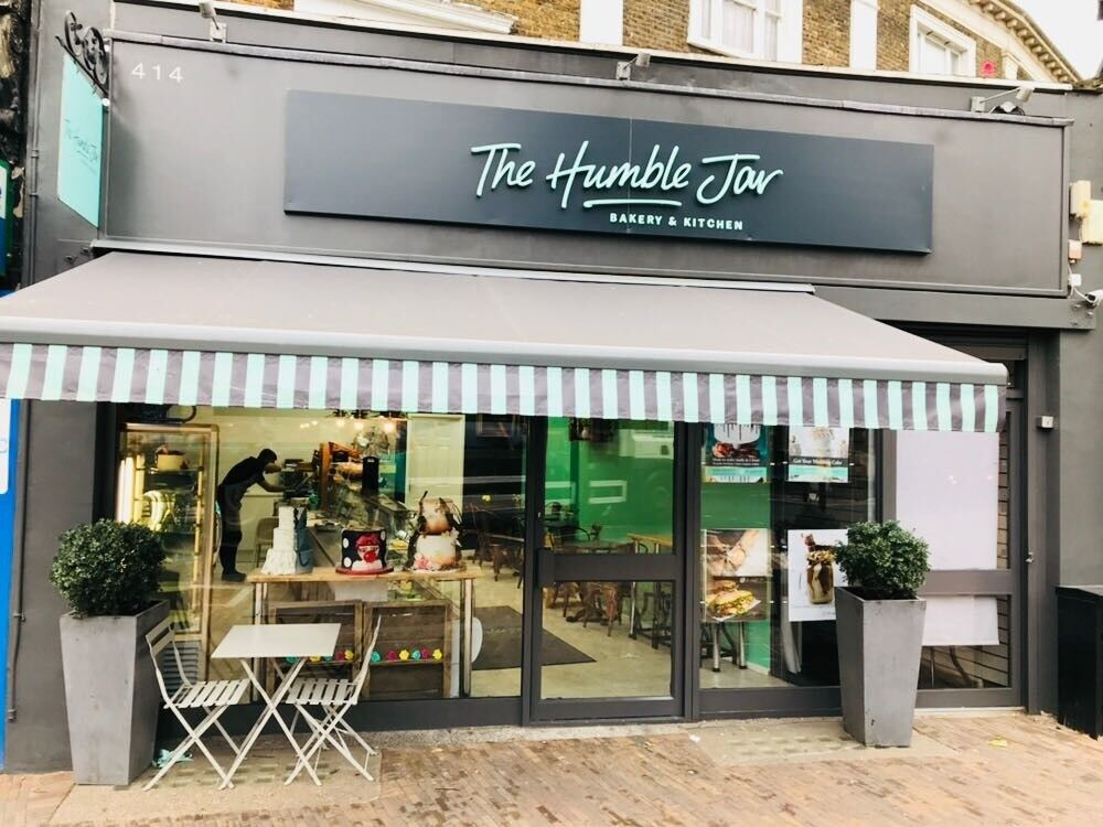 5f491889ac3 Cake and Coffee shop Lease for sale. Hackney