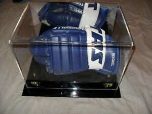 Maple Leafs Game Worn Gloves  Reichel Allison