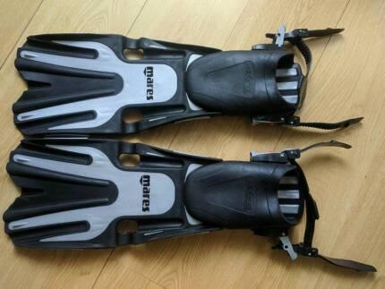 Dive gear, wetsuit, fins, mask, snorkel, BCD, Hoodie, Gloves