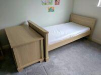 Mamas & Papas Horizons cot/bed with blanket box