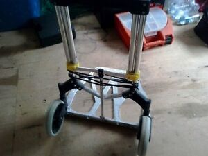 Carrying cart on wheels