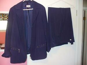 Women's TanJay navy pant suit (2X)