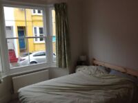 2 Double bedrooms in a professional House in a quiet road