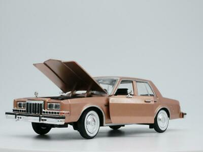 1986 DODGE DIPLOMAT RARE 1:24 SCALE DIORAMA DIECAST MODEL CAR