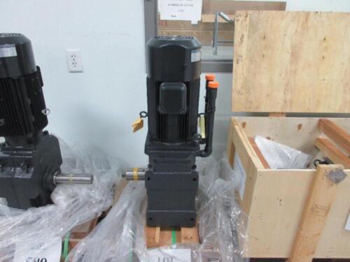SUMITOMO RHYTAX gear DRIVE KHHMS8-72L-V2-B-60 motor TC-F/FB-8B 5.5kw 1720 rpm