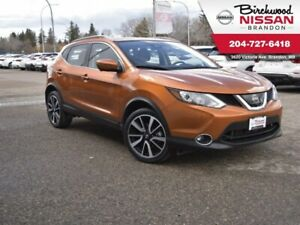 2017 Nissan Qashqai SL AWD/Leather/Sunroof/Backup Cam/Heated Whe
