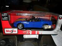 2005  CORVETTE---1/18 die cast collectible
