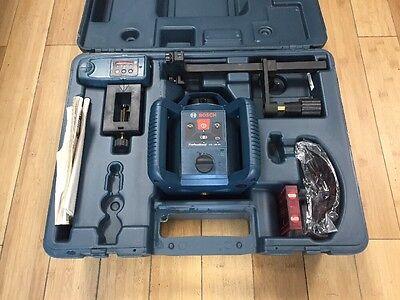 Bosch GRL 240 HV Self-Leveling Rotary Laser Level Kit With Case